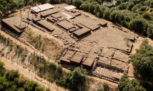 Adecuación del espacio natural del yacimiento romano- Estudi d'arquitectura Toni Gironès