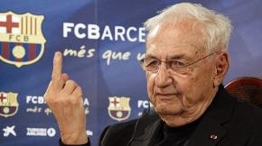PEDACICOS TODAY: Frank Gehry ficha por el F.C. Barcelona para asesorar a Luis Enrique en sus ruedas deprensa.