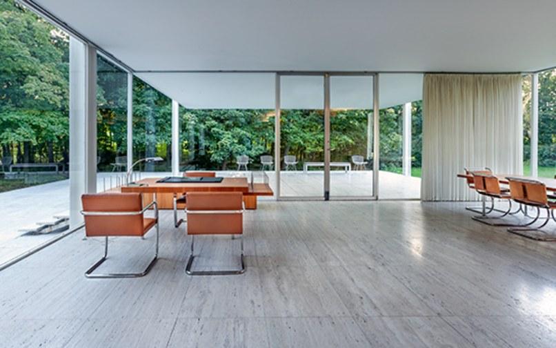 bruce wayne manor obra maestra del movimiento moderno pedacicosarquitectonicos. Black Bedroom Furniture Sets. Home Design Ideas