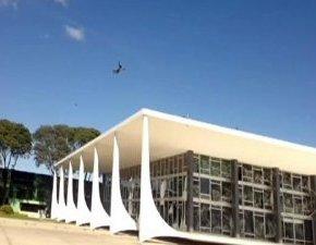 Cuando odias la obra de Niemeyer y además erespiloto
